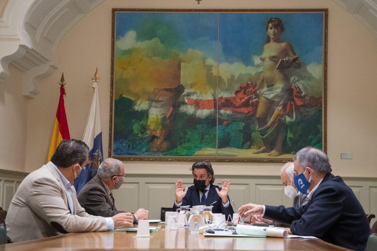 Un momento de la presentación de Canarias Importa en el Parlamento de Canarias