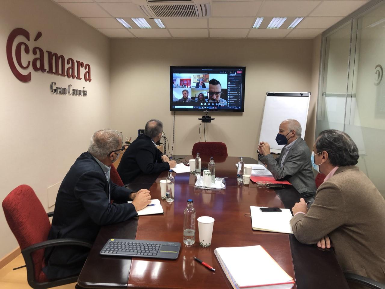 Jesús León, Francisco Rubio, Miguel Angel Acosta y Santiago de Armas, durante la reunión